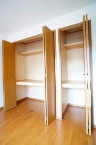 洋室(6.2畳)収納