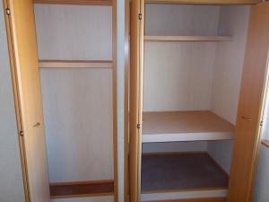 洋室北(6畳)収納