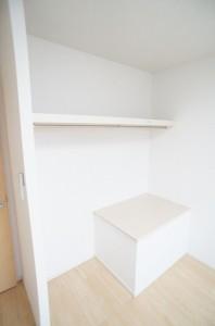 洋室(5.4畳)収納
