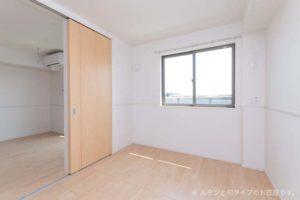 洋室(5.3畳)