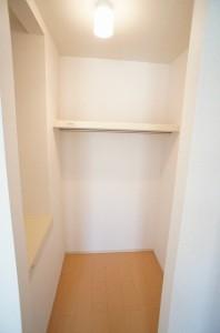 洋室(6.0畳)北収納