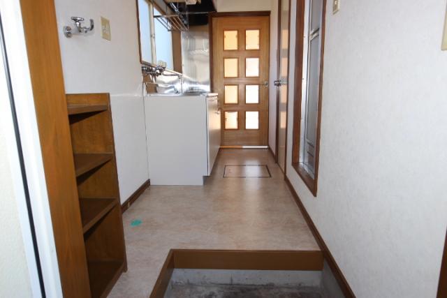 玄関ホール、キッチン
