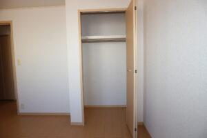 洋室北(6.6畳)収納
