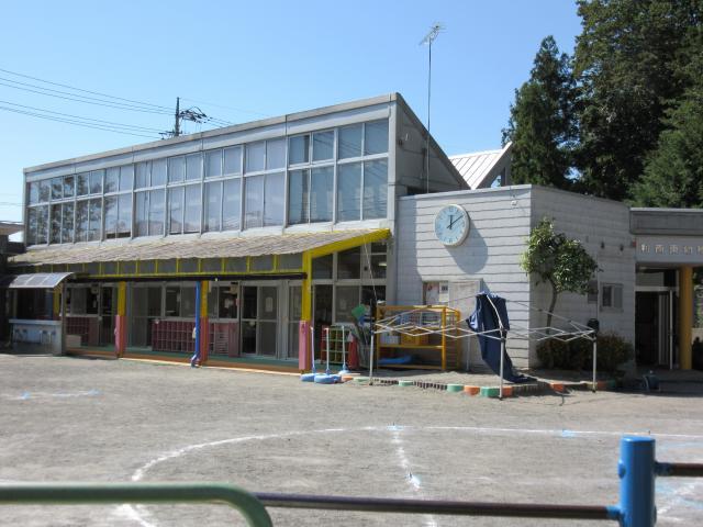 利南東幼稚園 861m