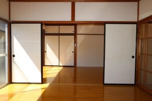 洋室(東→中)