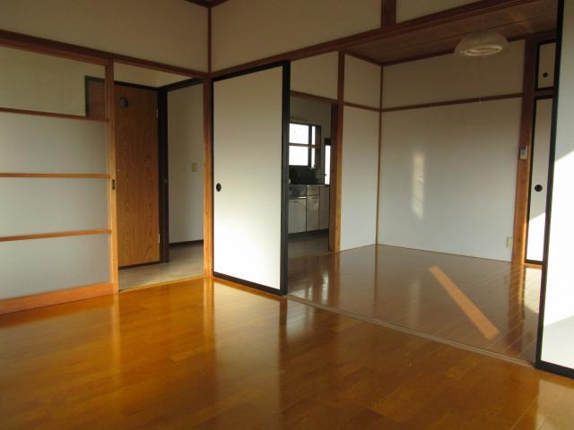 洋室(中→西)