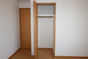 洋室北(6.4畳)収納