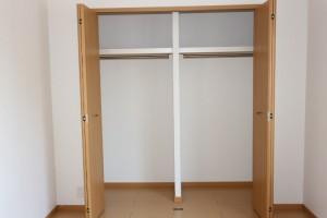 洋室南(6.1畳)収納