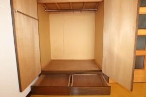 洋室(7.5畳)収納