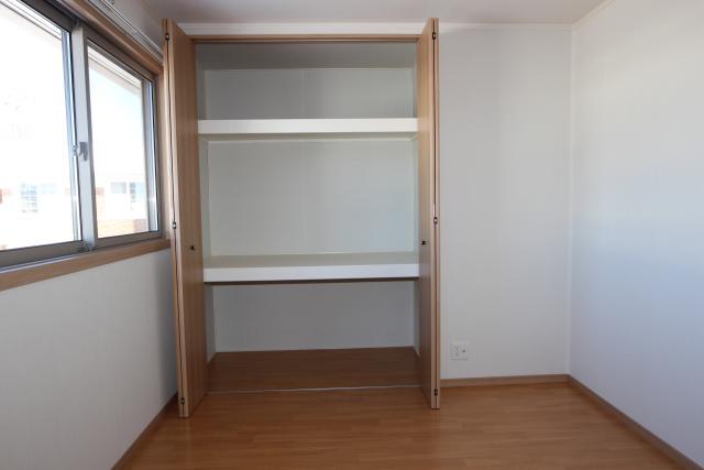 洋室2(4.5畳)収納