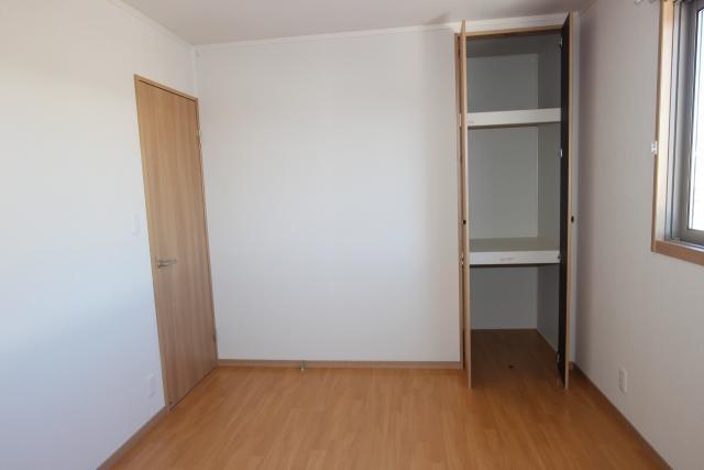 洋室1(6.2畳)収納