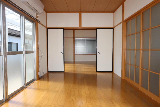 洋室(東)→(西)