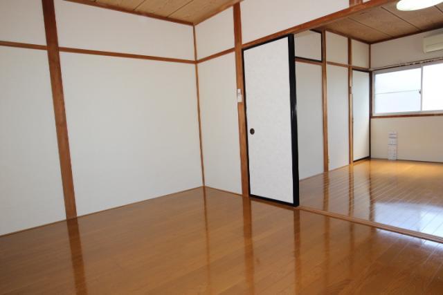2階洋室(北→南)