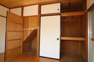 1階洋室収納