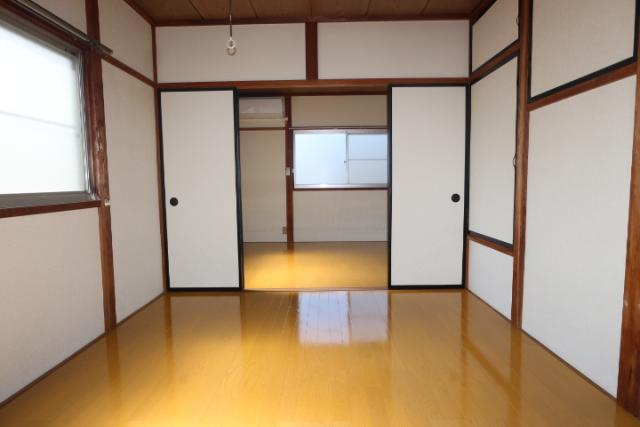 2階洋室(南→北)