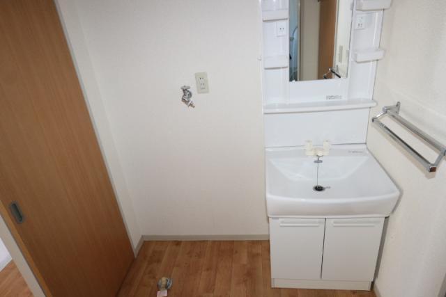 洗面化粧台、洗濯機置き場