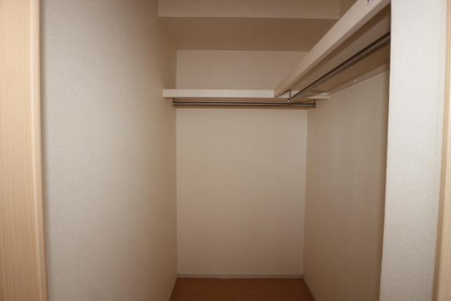 洋室(北)6畳収納
