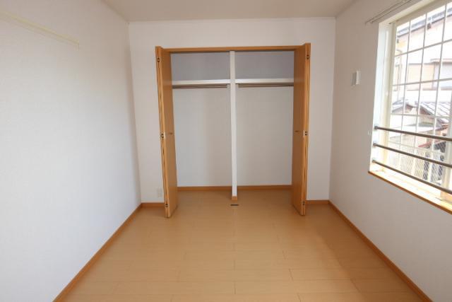 洋室(東)6.1畳収納