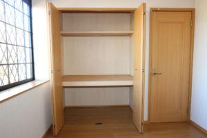洋室(6.1畳)収納