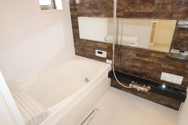 風呂(追い炊き、シャワー付き)