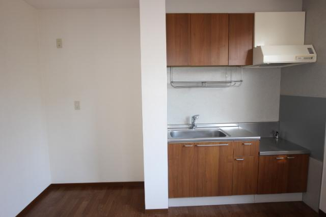 キッチン、冷蔵庫置き場