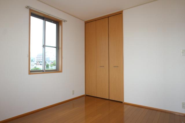 洋室北(5.5畳)