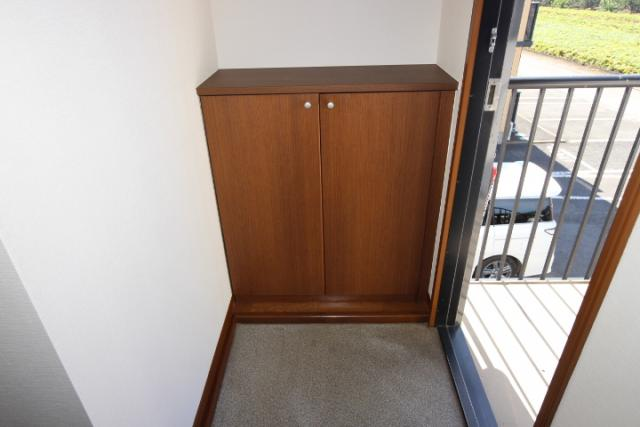 玄関ホール、下駄箱