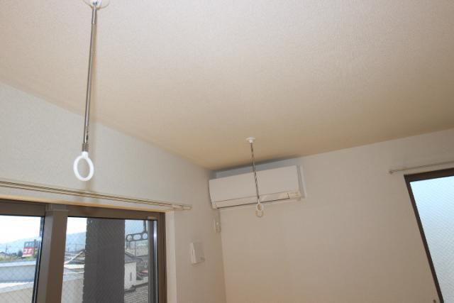 エアコン、ホスクリーン(室内物干し)