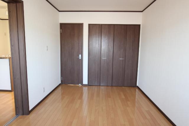 洋室(6畳南)