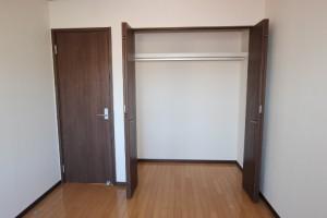 洋室(6畳)南収納