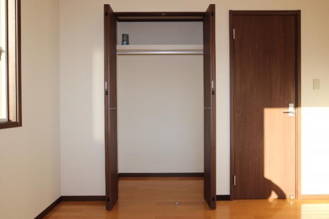 洋室(6畳)北収納
