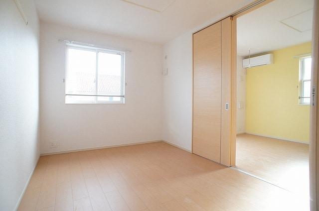 洋室(6.0畳)南